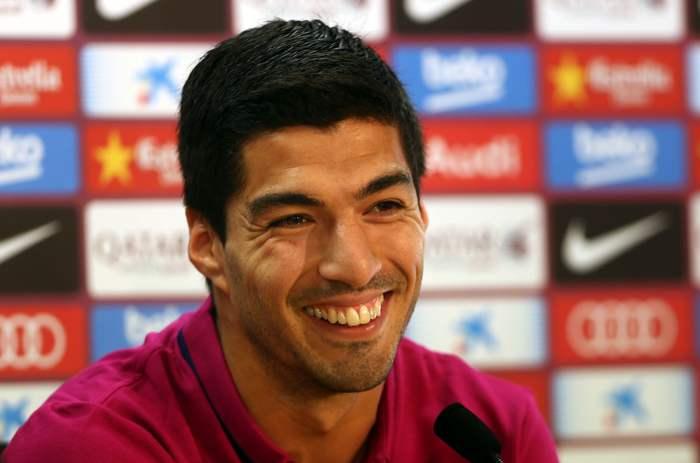 Skyttaligakungen Suarez under presskonferens.