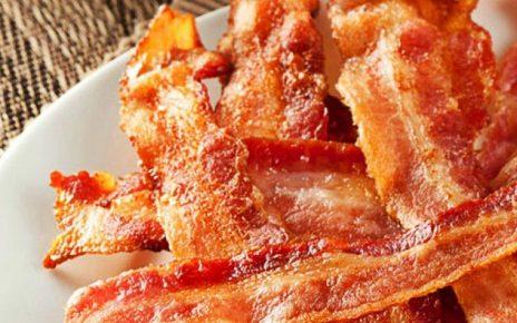 Fotbollspelare reklam för bacon